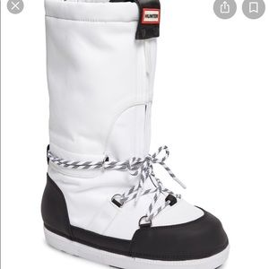 Hunter White/Black Boots